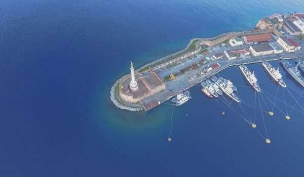 foto della Madonna della lettera al porto di Messina dall'alto