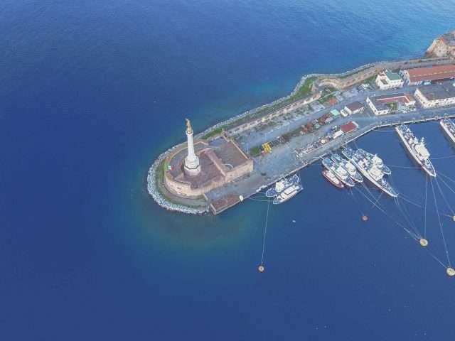 Madonna della lettera, porto di Messina dall'alto