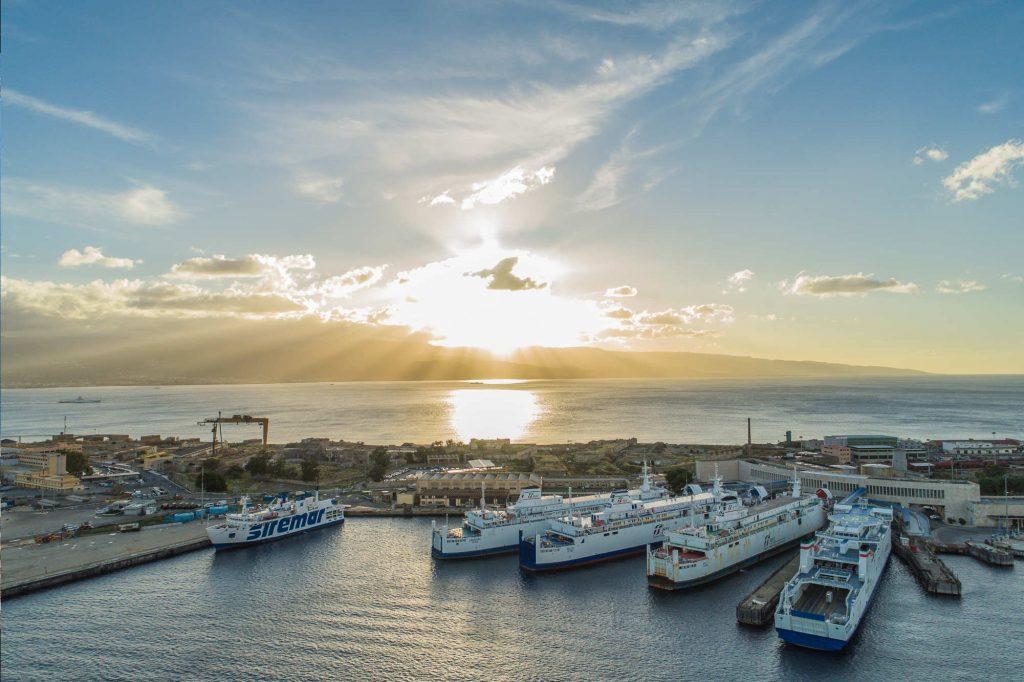 Foto degli imbrachi Ferrovie RFS - Messina