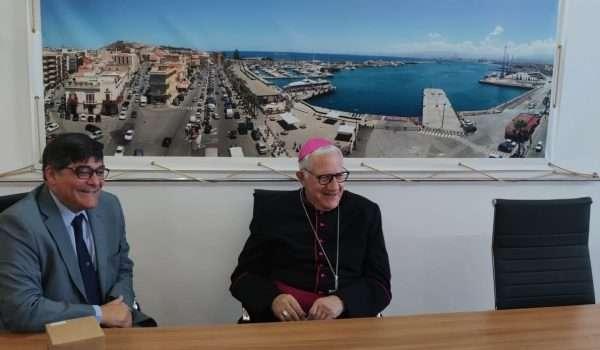 Presidente Ing. Mega con l'Arcivescovo S.E. Mons. Giovanni